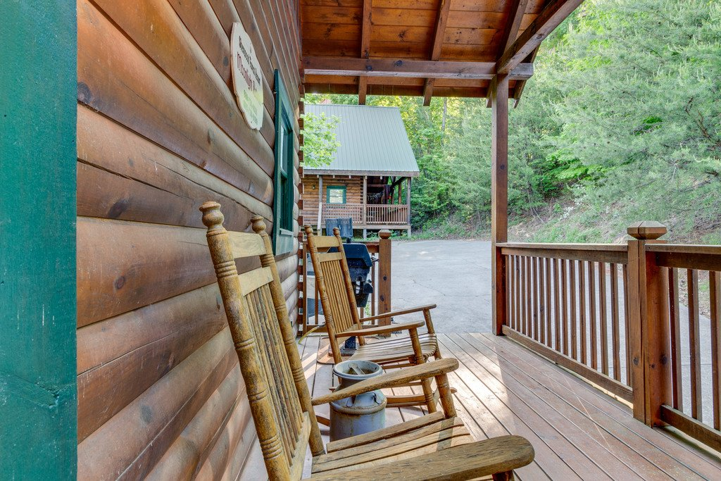 Photo of a Pigeon Forge Cabin named Moonlight Retreat - This is the twenty-ninth photo in the set.
