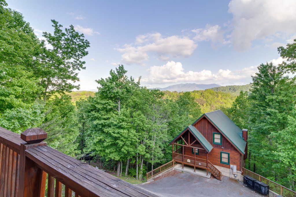 Photo of a Pigeon Forge Cabin named Moonlight Retreat - This is the thirty-seventh photo in the set.