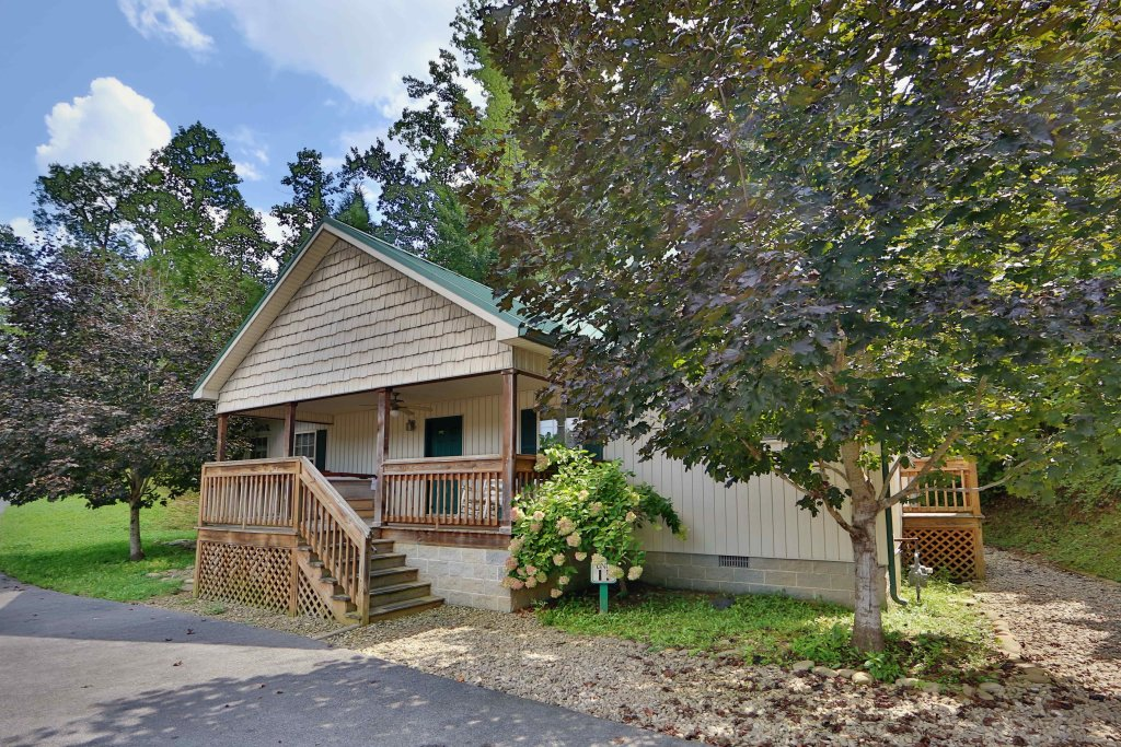 Photo of a Pigeon Forge Cabin named Cherry Blossom (#11) - This is the first photo in the set.