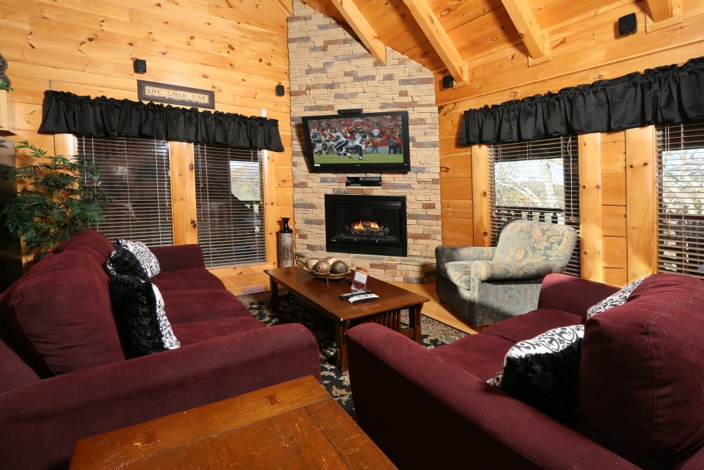 Photo of a Pigeon Forge Cabin named Any Way You Want It - This is the sixth photo in the set.