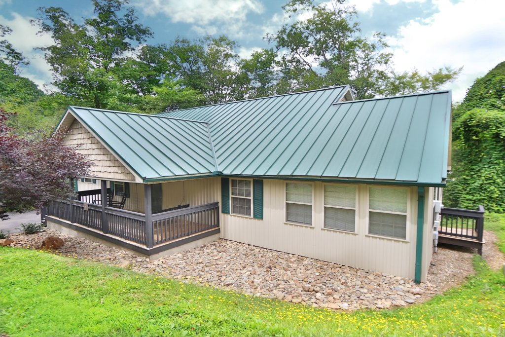 Photo of a Pigeon Forge Cabin named Holly Grove (#1) - This is the second photo in the set.