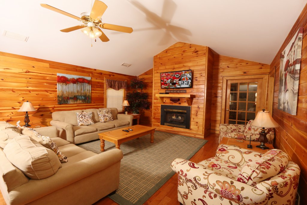 Photo of a Pigeon Forge Cabin named Walnut Grove (#2) - This is the seventh photo in the set.