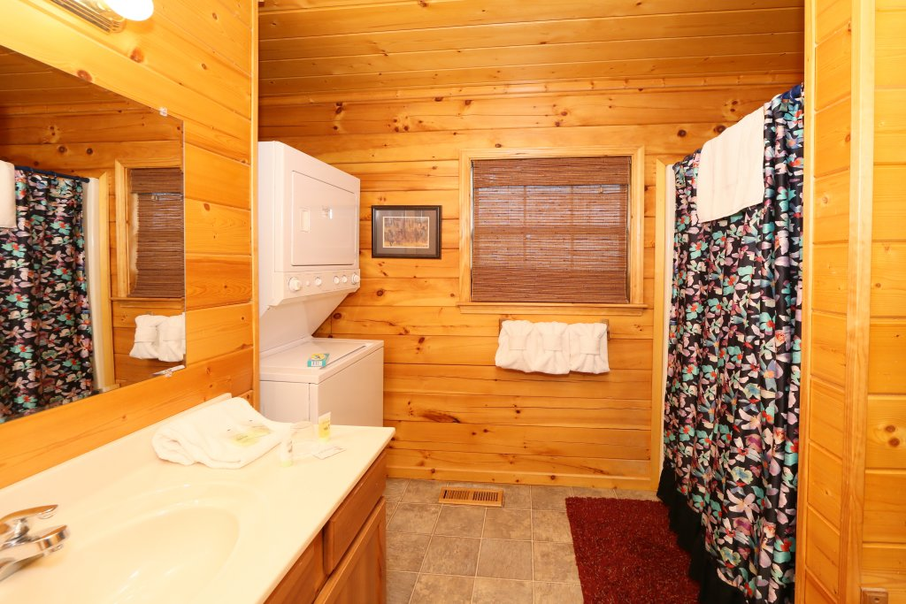Photo of a Pigeon Forge Cabin named Drift Away - This is the twentieth photo in the set.