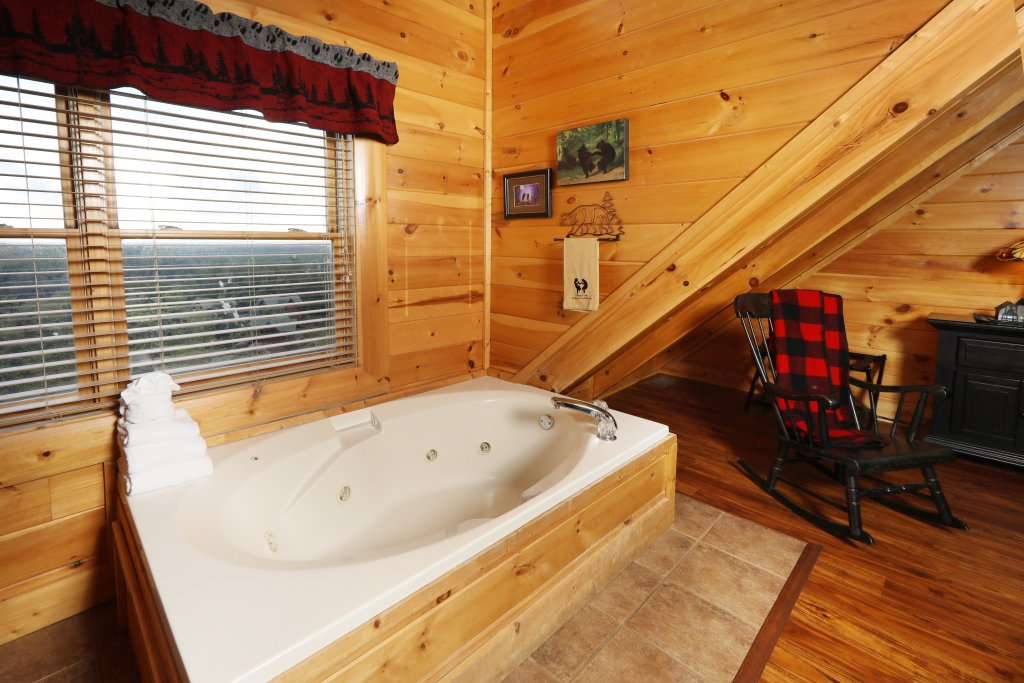 Photo of a Pigeon Forge Cabin named Celebration Lodge - This is the ninth photo in the set.