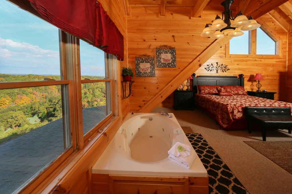 Photo of a Pigeon Forge Cabin named Better View - This is the nineteenth photo in the set.