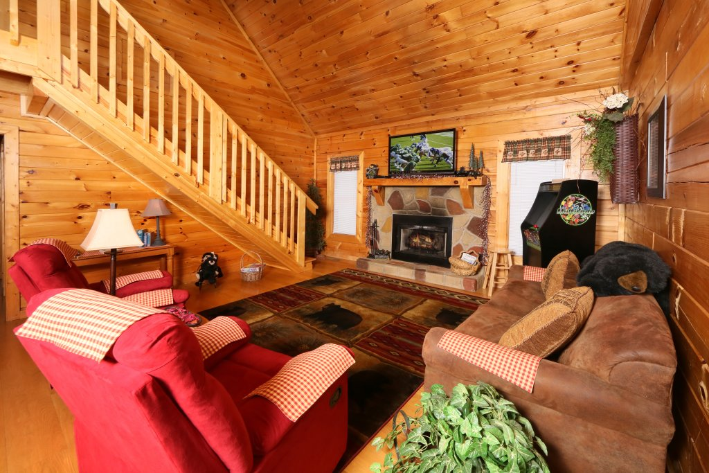 Photo of a Pigeon Forge Cabin named Bear Heaven - This is the twelfth photo in the set.