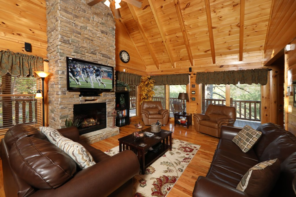 Photo of a Pigeon Forge Cabin named Blessed Nest - This is the twenty-second photo in the set.