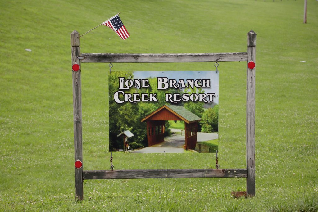 Photo of a Pigeon Forge Cabin named Bear Heaven - This is the eleventh photo in the set.