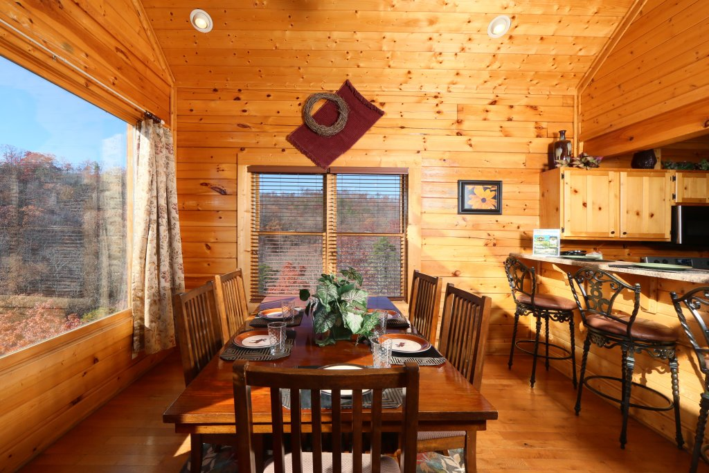 Photo of a Pigeon Forge Cabin named April Mist - This is the twenty-first photo in the set.