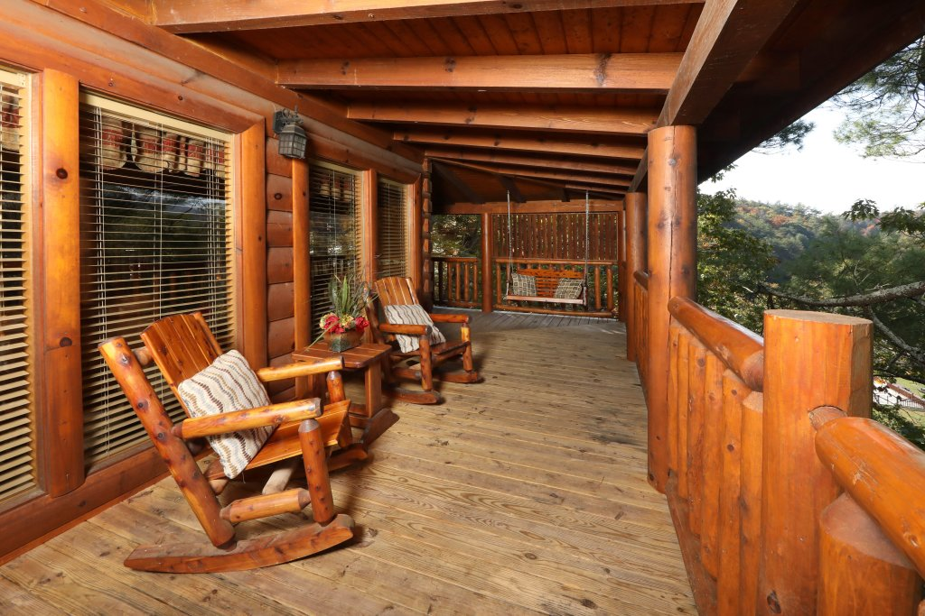 Photo of a Pigeon Forge Cabin named Blessed Nest - This is the fifth photo in the set.