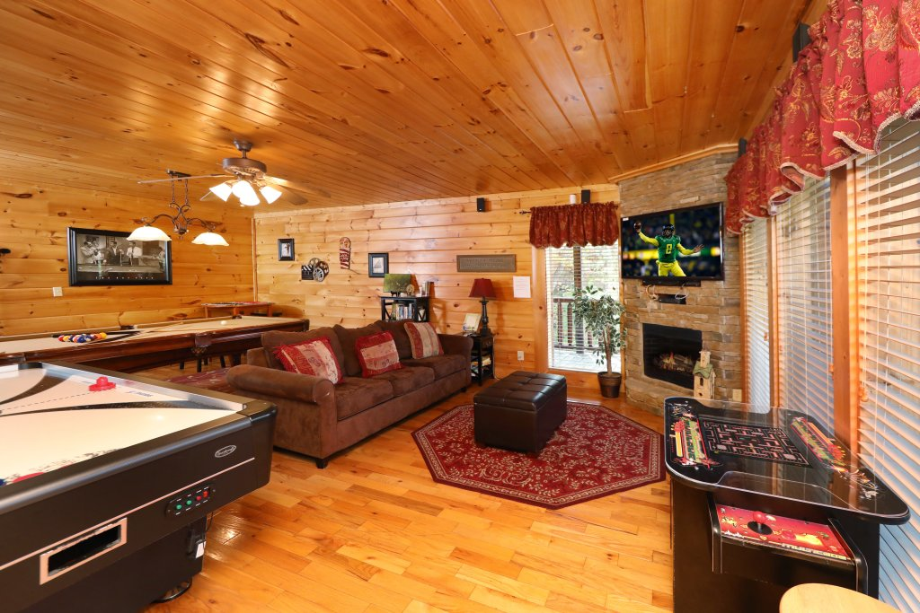 Photo of a Pigeon Forge Cabin named Blessed Nest - This is the forty-first photo in the set.