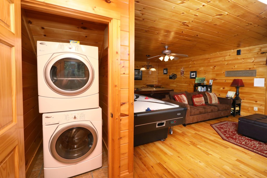 Photo of a Pigeon Forge Cabin named Blessed Nest - This is the forty-second photo in the set.