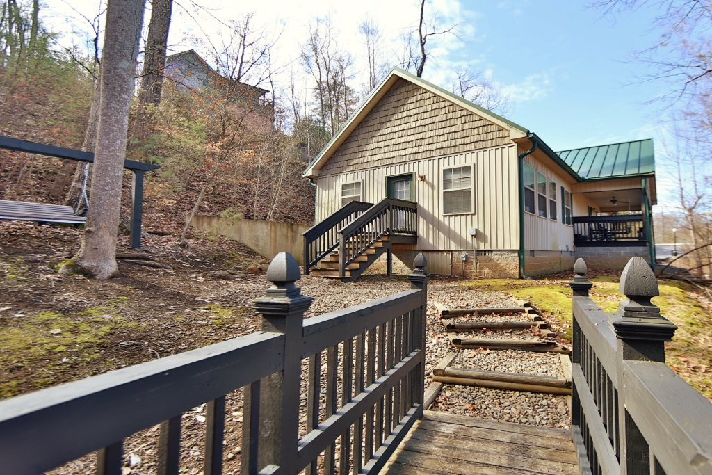 Photo of a Pigeon Forge Cabin named Cedar Falls (#8) - This is the fourth photo in the set.