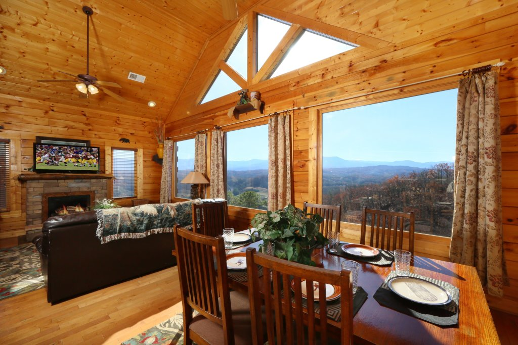 Photo of a Pigeon Forge Cabin named April Mist - This is the ninth photo in the set.