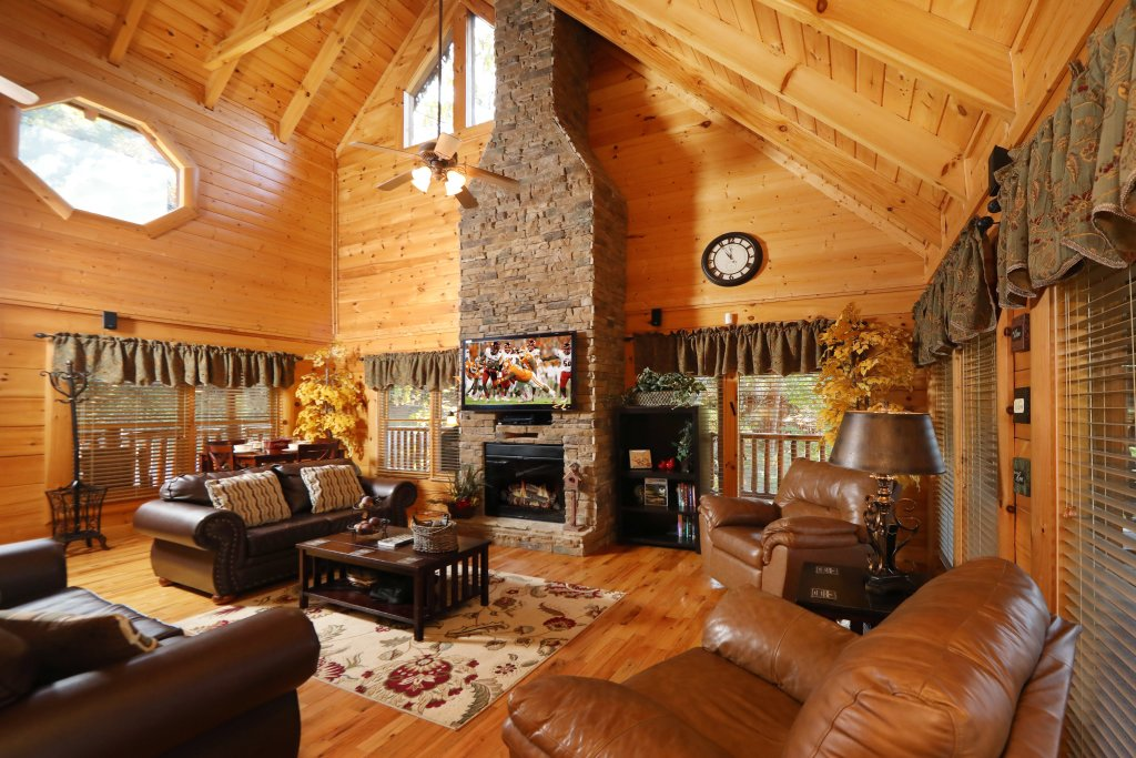 Photo of a Pigeon Forge Cabin named Blessed Nest - This is the twenty-third photo in the set.