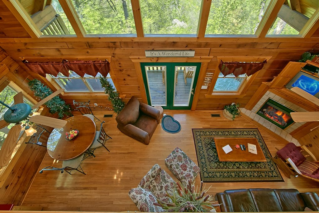 Photo of a Gatlinburg Cabin named American Dream #142 - This is the fourth photo in the set.