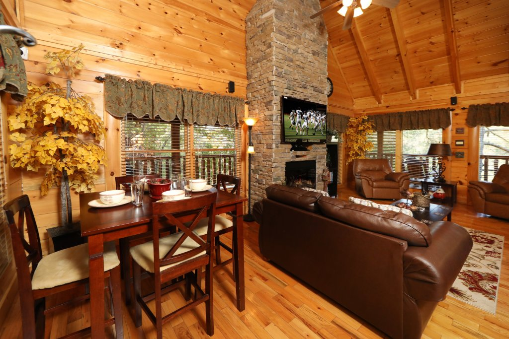 Photo of a Pigeon Forge Cabin named Blessed Nest - This is the twenty-fourth photo in the set.