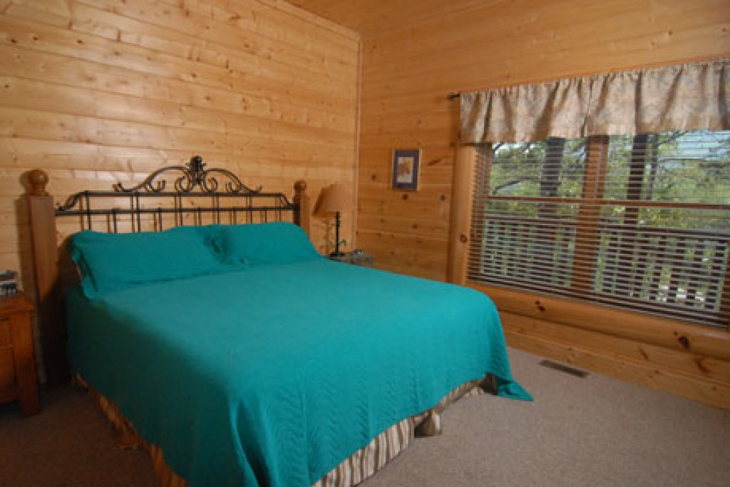 Photo of a Pigeon Forge Cabin named Echoes Of Eden - This is the seventeenth photo in the set.