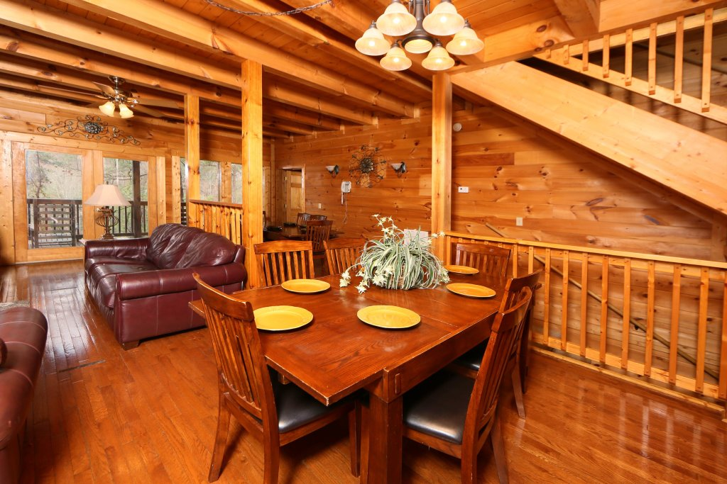 Photo of a Pigeon Forge Cabin named Big Pine Lodge - This is the thirty-second photo in the set.