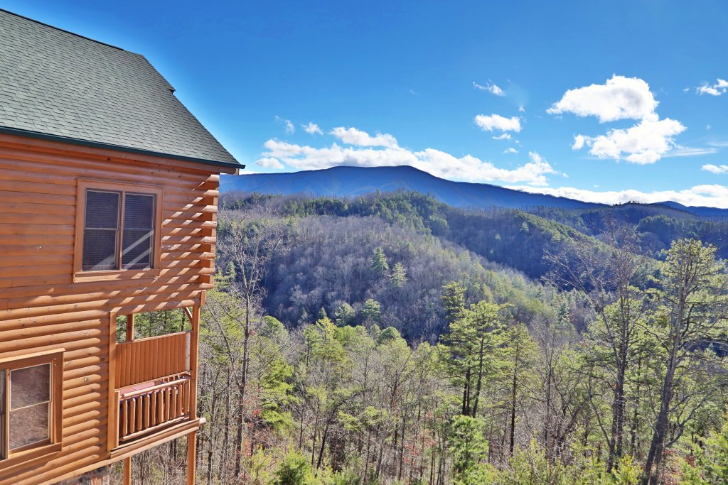 Photo of a Pigeon Forge Cabin named Bear-a-dise In The Smokies - This is the eighth photo in the set.