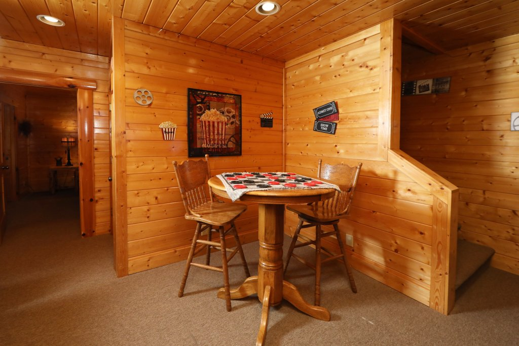 Photo of a Pigeon Forge Cabin named Bear-a-dise In The Smokies - This is the thirty-fifth photo in the set.