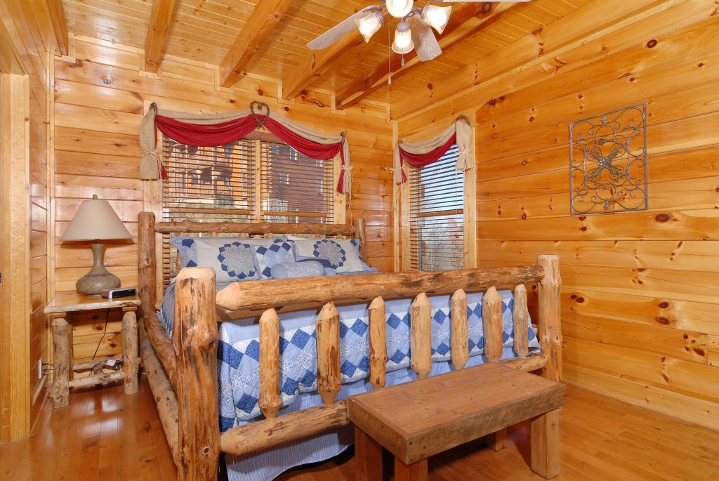 Photo of a Pigeon Forge Cabin named Tennessee Treasure #232 - This is the twenty-fourth photo in the set.