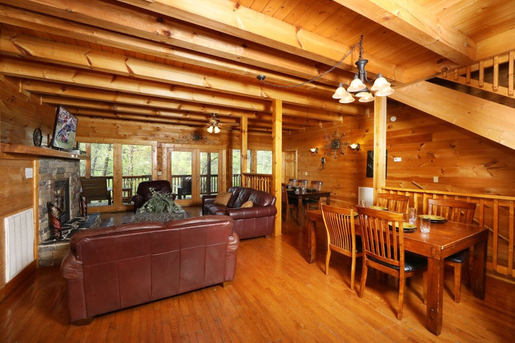 Photo of a Pigeon Forge Cabin named Big Pine Lodge - This is the thirty-seventh photo in the set.