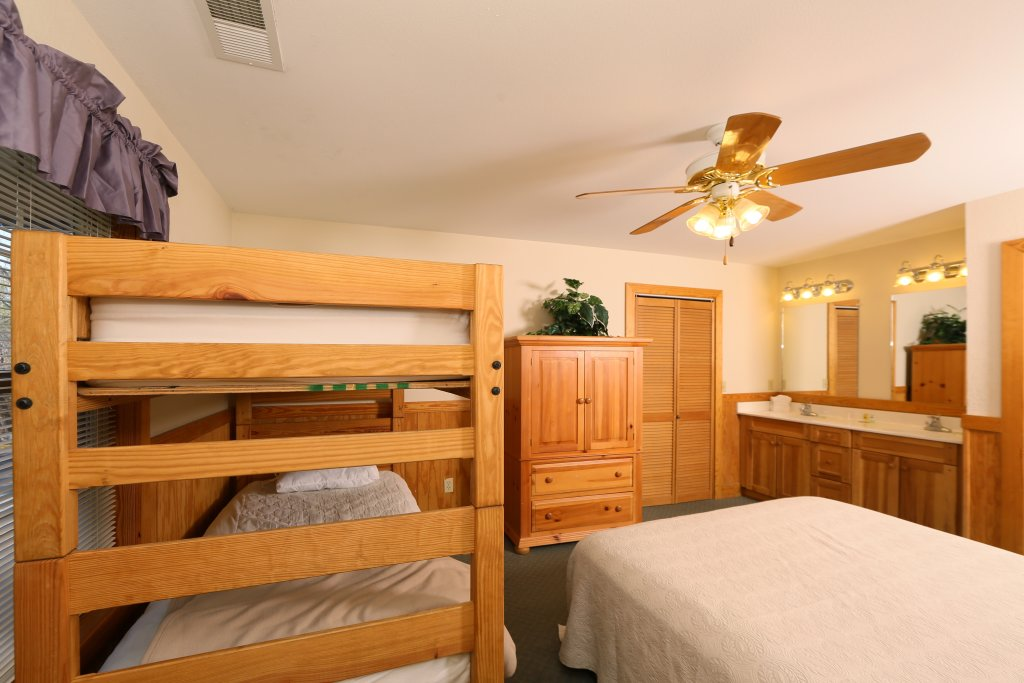 Photo of a Pigeon Forge Cabin named Magnolia Place Unit 1 (#5) - This is the twenty-first photo in the set.