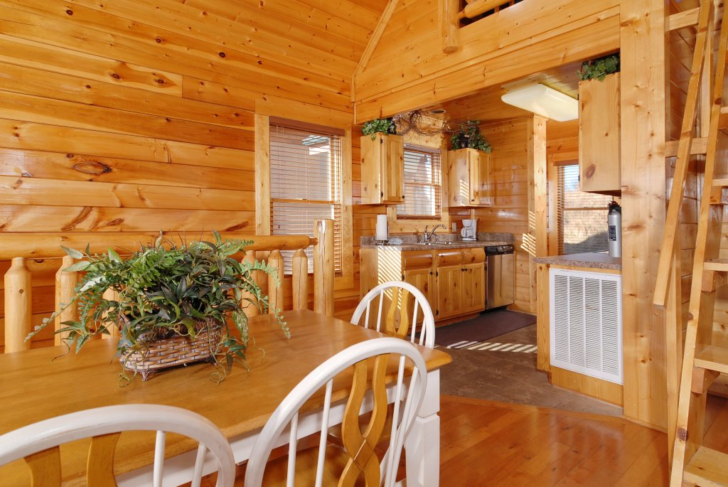 Photo of a Pigeon Forge Cabin named Tennessee Treasure #232 - This is the thirty-sixth photo in the set.