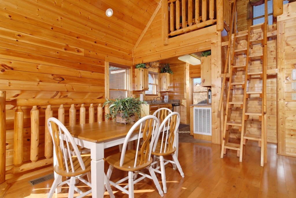 Photo of a Pigeon Forge Cabin named Tennessee Treasure #232 - This is the thirty-eighth photo in the set.