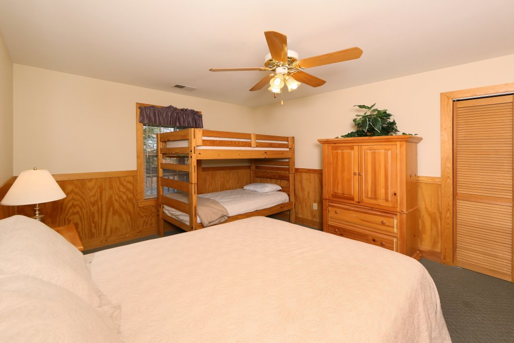 Photo of a Pigeon Forge Cabin named Magnolia Place Unit 2 (#5) - This is the twenty-first photo in the set.