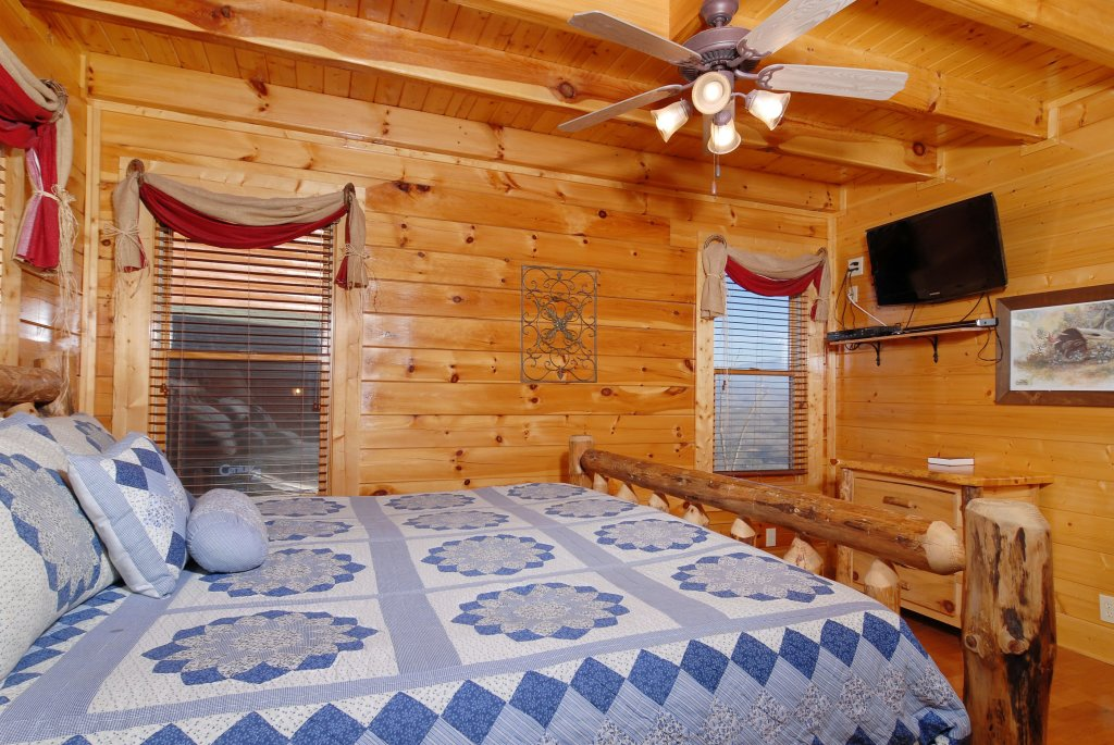 Photo of a Pigeon Forge Cabin named Tennessee Treasure #232 - This is the fiftieth photo in the set.