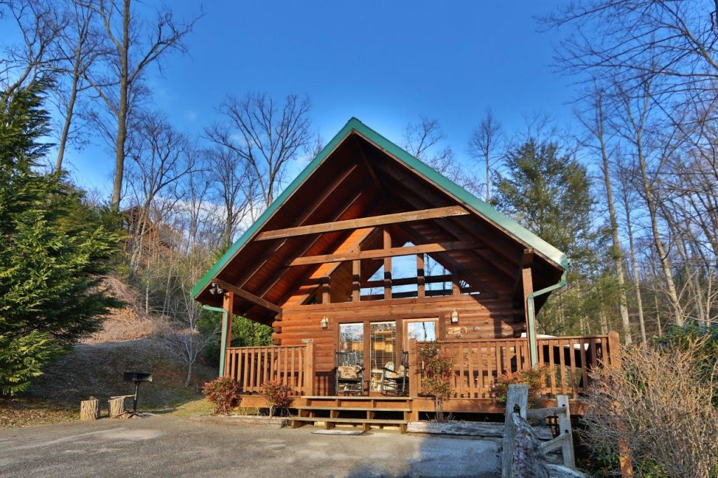 Photo of a Gatlinburg Cabin named Hugs N Kisses - This is the fifth photo in the set.