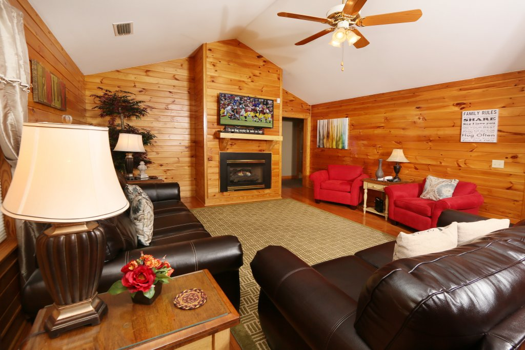 Photo of a Pigeon Forge Cabin named Pinnacle View 7a - This is the tenth photo in the set.