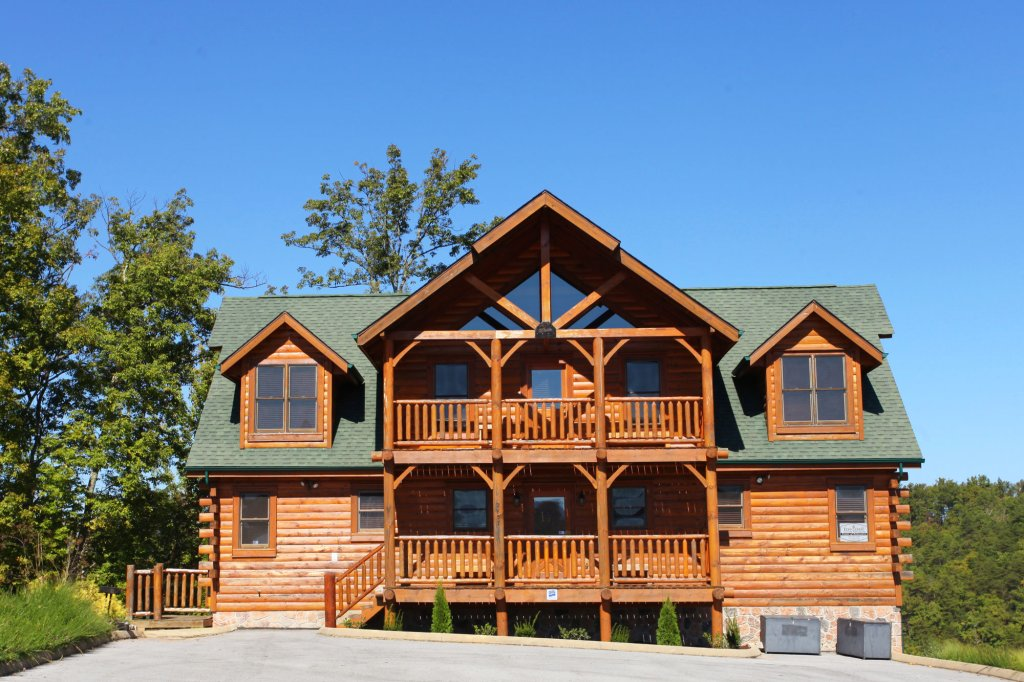 Photo of a Pigeon Forge Cabin named Estate Of Relaxation - This is the first photo in the set.