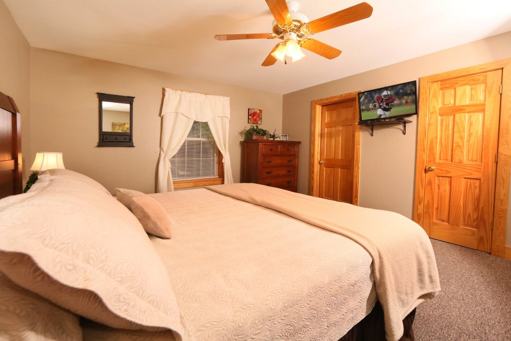 Photo of a Pigeon Forge Cabin named Pinnacle View 7c - This is the twelfth photo in the set.