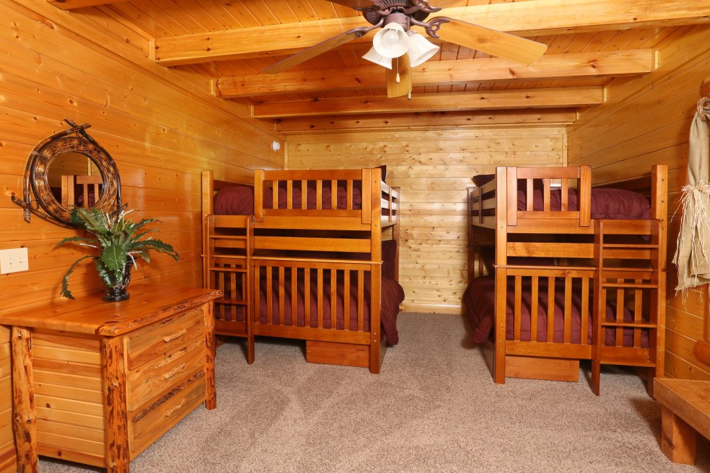 Photo of a Pigeon Forge Cabin named Estate Of Relaxation - This is the twenty-ninth photo in the set.