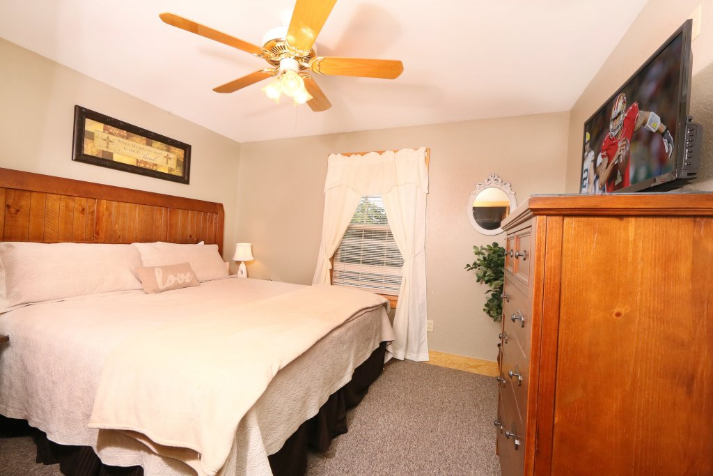 Photo of a Pigeon Forge Cabin named Pinnacle View 7c - This is the nineteenth photo in the set.