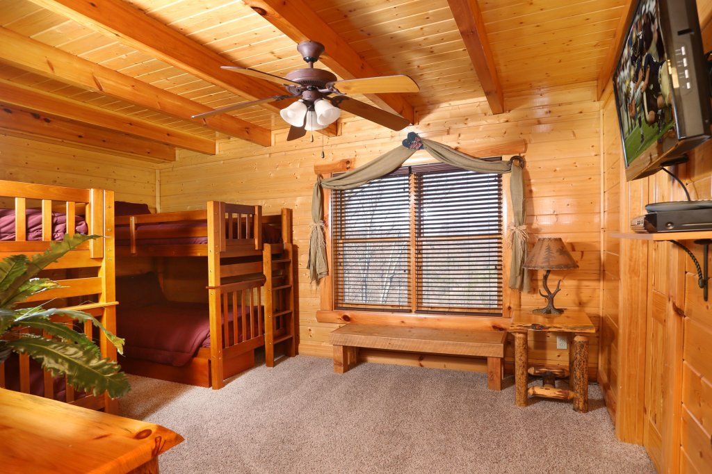 Photo of a Pigeon Forge Cabin named Estate Of Relaxation - This is the thirtieth photo in the set.