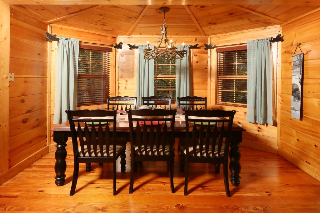Photo of a Pigeon Forge Cabin named Southern Hospitality - This is the eighteenth photo in the set.
