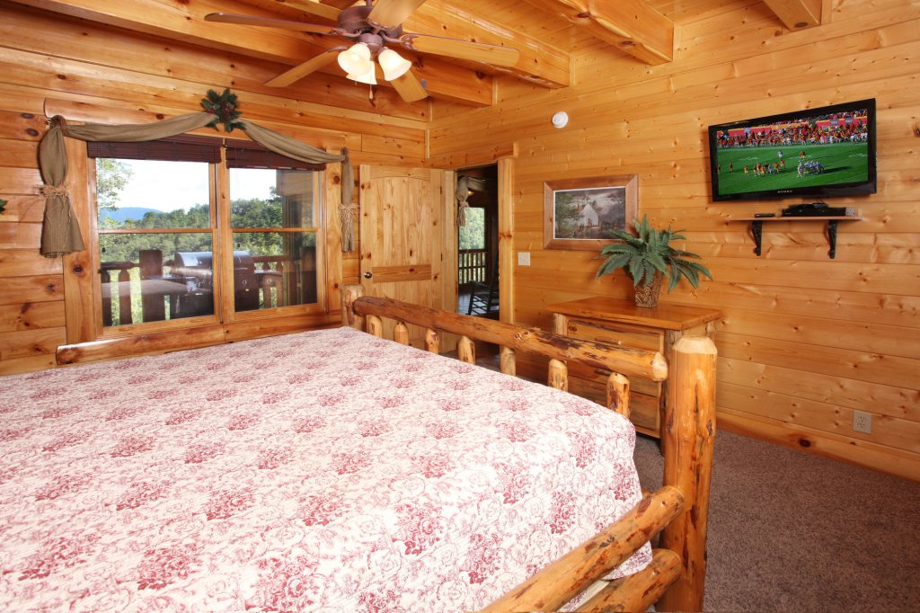 Photo of a Pigeon Forge Cabin named Estate Of Relaxation - This is the thirty-first photo in the set.