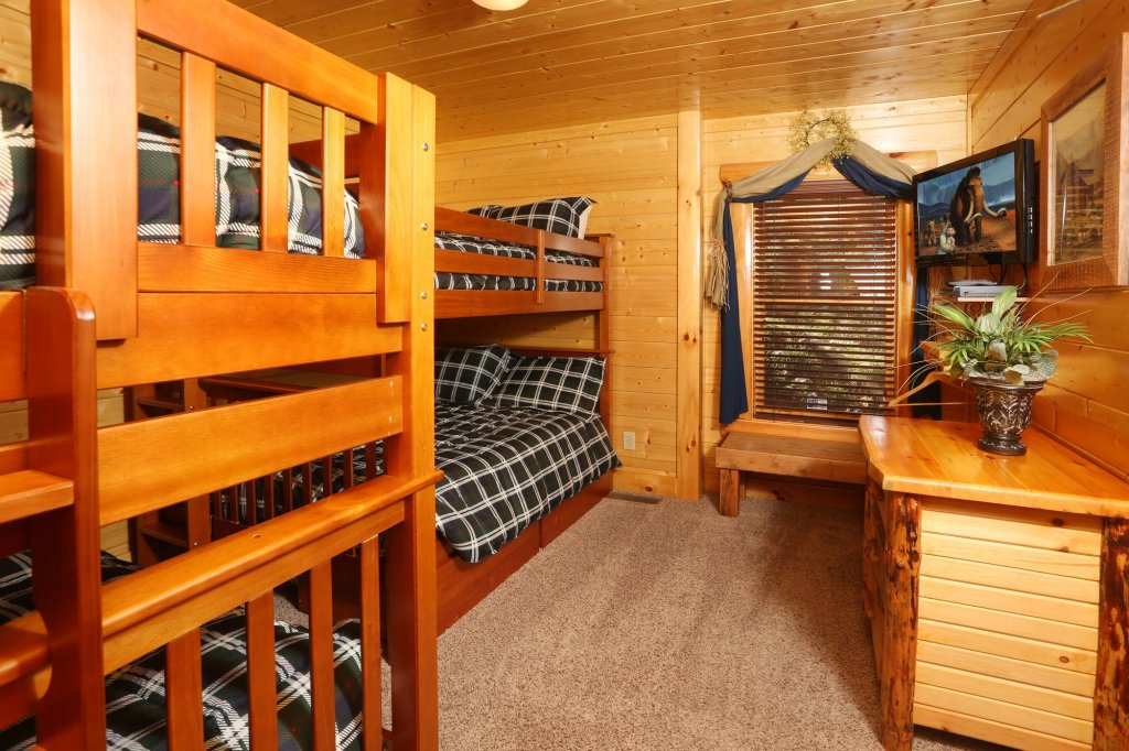 Photo of a Pigeon Forge Cabin named Estate Of Relaxation - This is the twenty-eighth photo in the set.