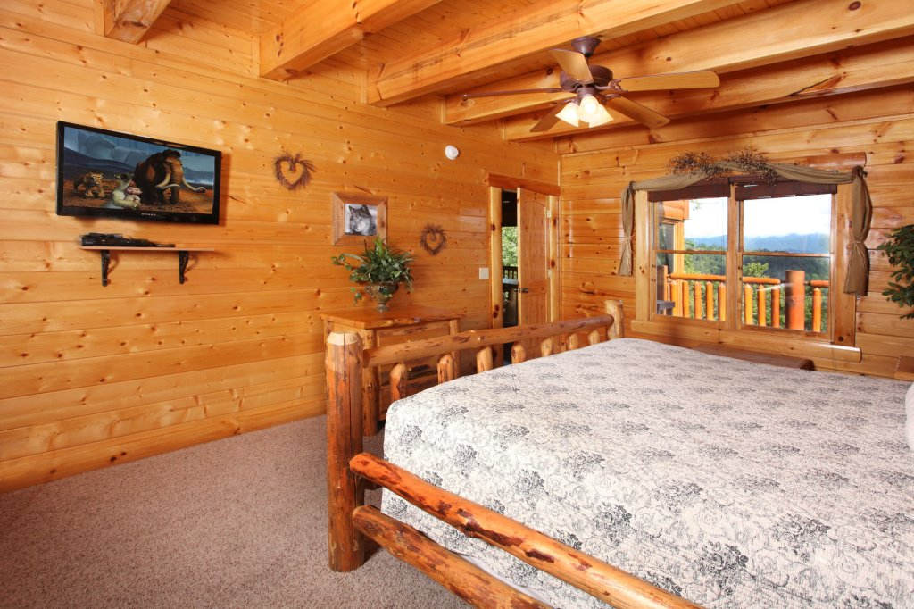 Photo of a Pigeon Forge Cabin named Estate Of Relaxation - This is the thirty-fourth photo in the set.