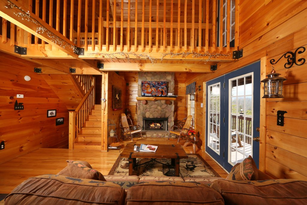 Photo of a Sevierville Cabin named Fireside Memories - This is the ninth photo in the set.