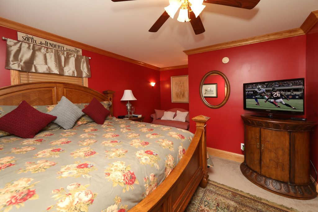 Photo of a Pigeon Forge Cabin named Haven Of Rest - This is the twenty-second photo in the set.