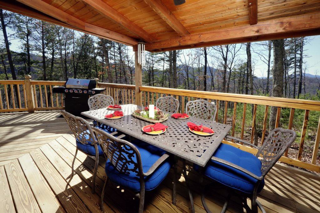 Photo of a Pigeon Forge Cabin named Haven Of Rest - This is the sixth photo in the set.