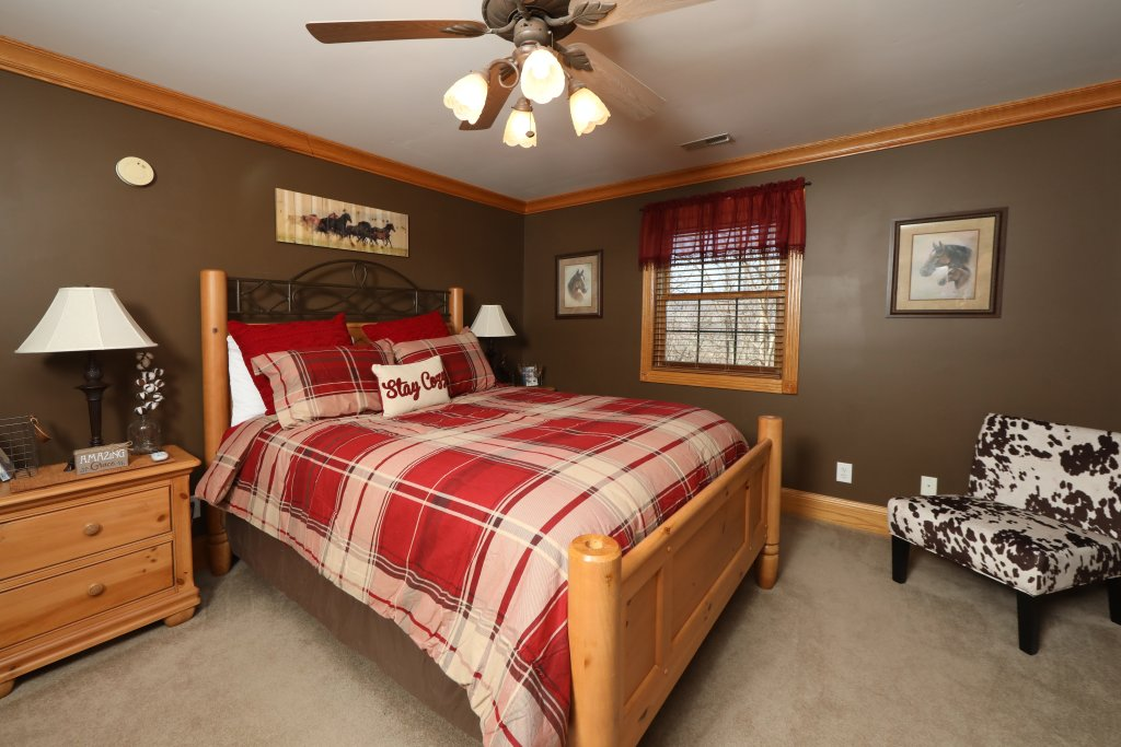 Photo of a Pigeon Forge Cabin named Haven Of Rest - This is the thirty-first photo in the set.