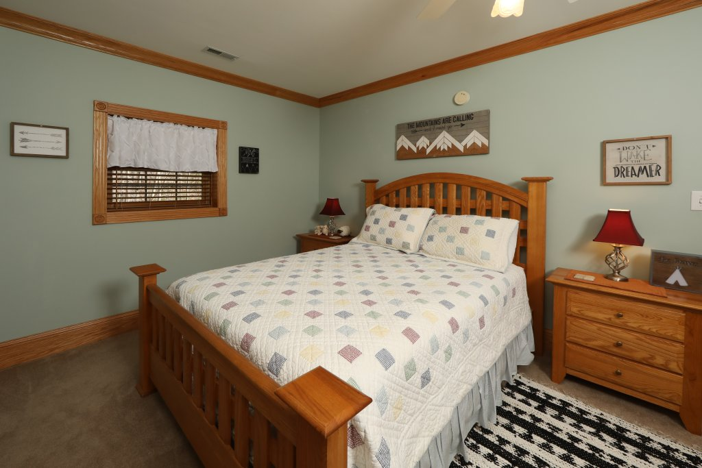 Photo of a Pigeon Forge Cabin named Haven Of Rest - This is the forty-first photo in the set.