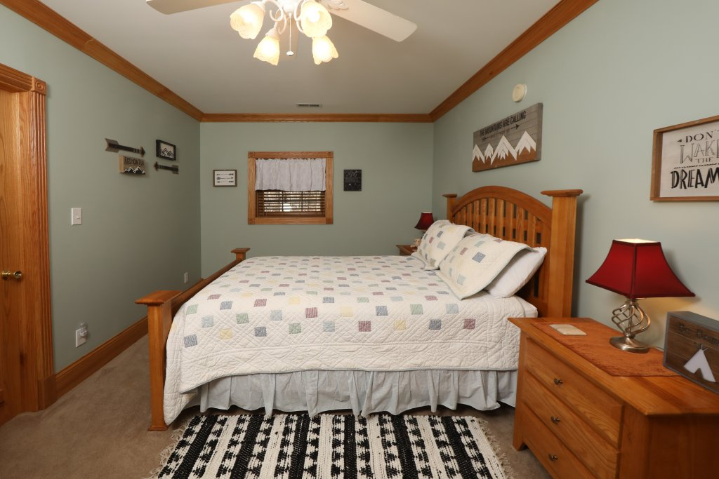 Photo of a Pigeon Forge Cabin named Haven Of Rest - This is the fortieth photo in the set.