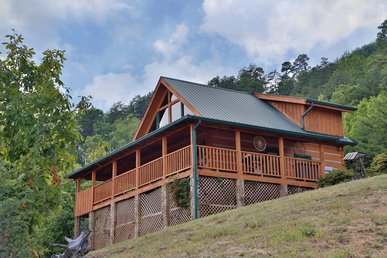A Walk in the Clouds a two bedroom cabin with amazing views from every room.